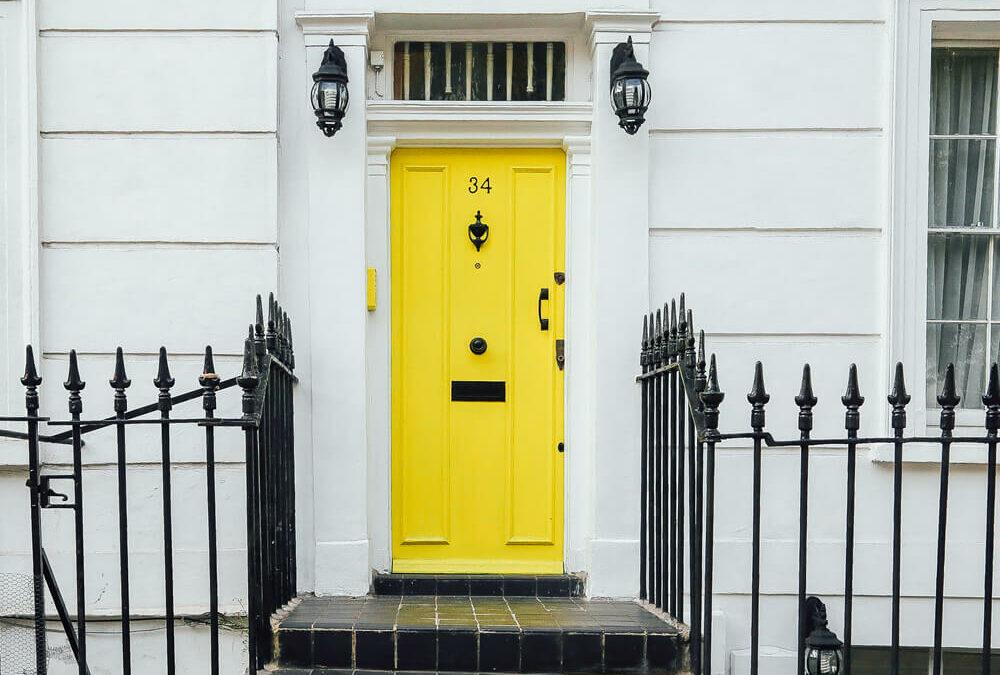 1000×700-pexels-yellow-door-1